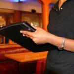 Grčka: potrebni KONOBARI/CE za rad u elitnom restoranu