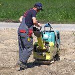 POSLOVI U NEMAČKOJ – Plata oko 3.000 € – Košenje trave – Pomoćni radnici na asfaltiranju – Fizički radnici na građevini – i mnogi drugi poslovi